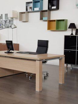 Managertisch-mit-Sideboard-Jet