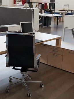 Managertisch-mit-Sideboard-Jet_3