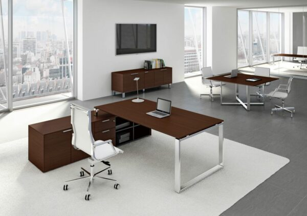 Büromöbel LOOPY und Chefsessel Nulite