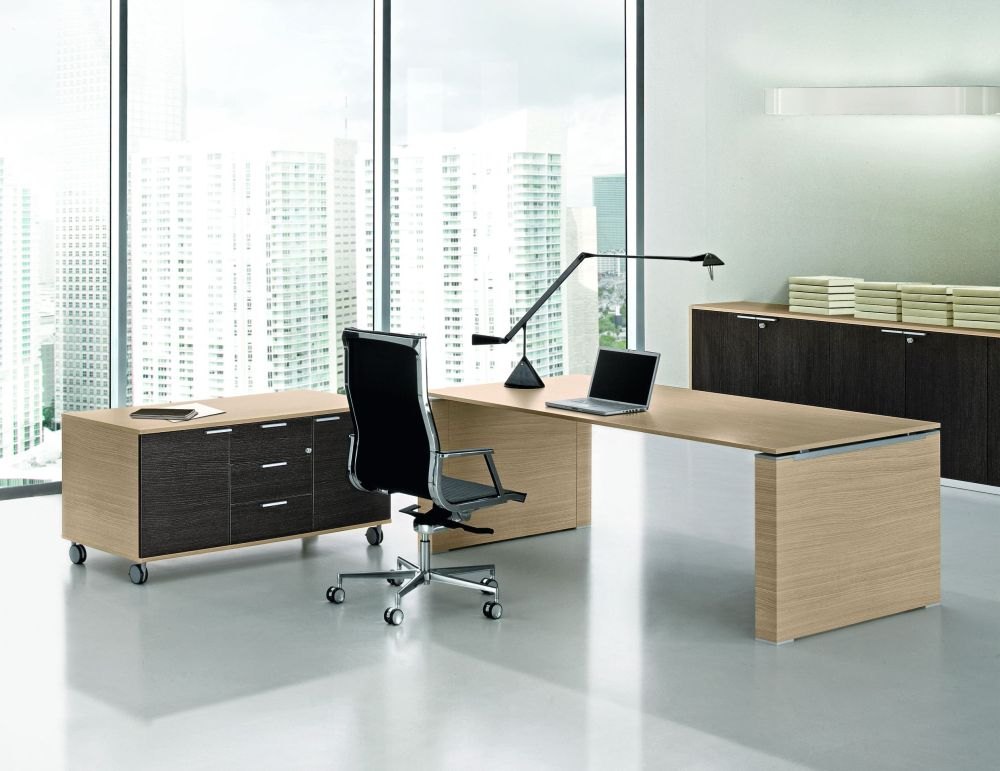 Schreibtisch JET mit Wangengestell   Klassiker Direkt - Chefzimmer ...