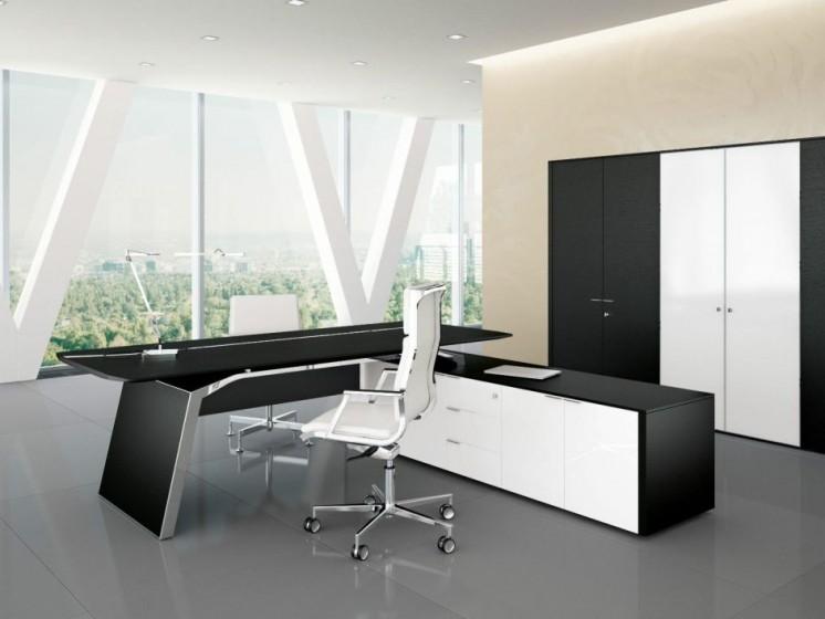 Chefbüromöbel Metar und Chefsessel Nulite