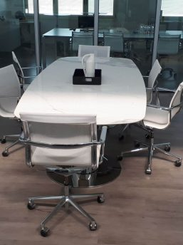 Konferenztisch-Metar-mit-Keramiktischplatte-weiss_3
