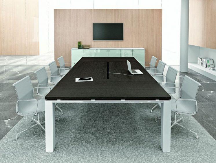 Konferenztisch groß