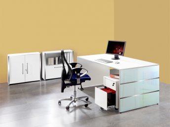 Schreibtisch Siena mit Wangengestell