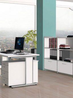 Schreibtisch mit Chrom Gestell