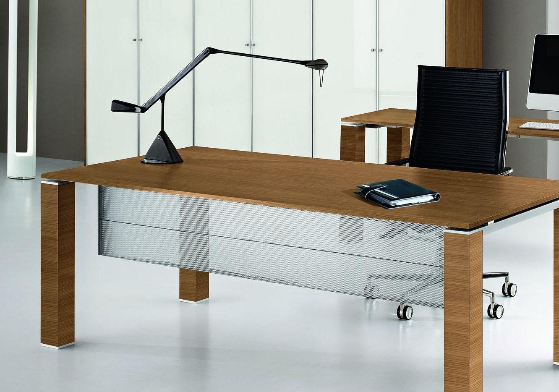 Knieraumblende f r schreibtisch metall klassiker for Schreibtisch 1 40 breit