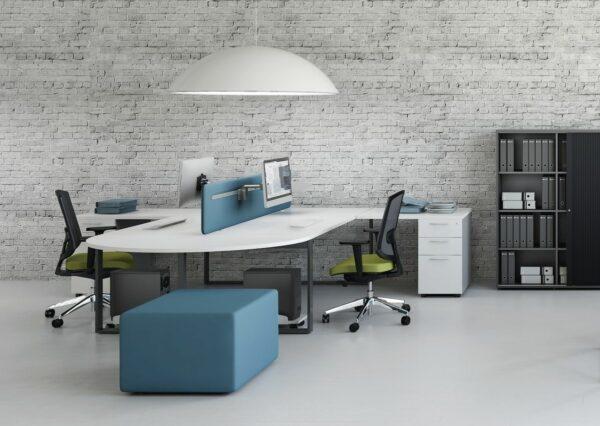 Schreibtisch-2-Personen-Ogi_Q mit Anbauelementen