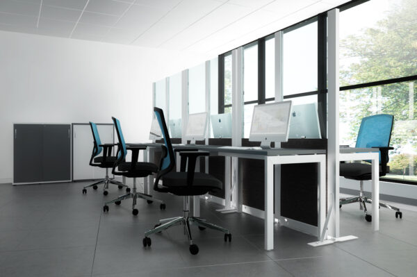 Schreibtisch_OGI_U_4