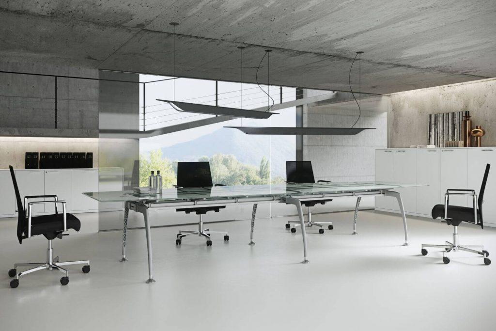 Konferenztisch_mit_Glasplatte_Tiper