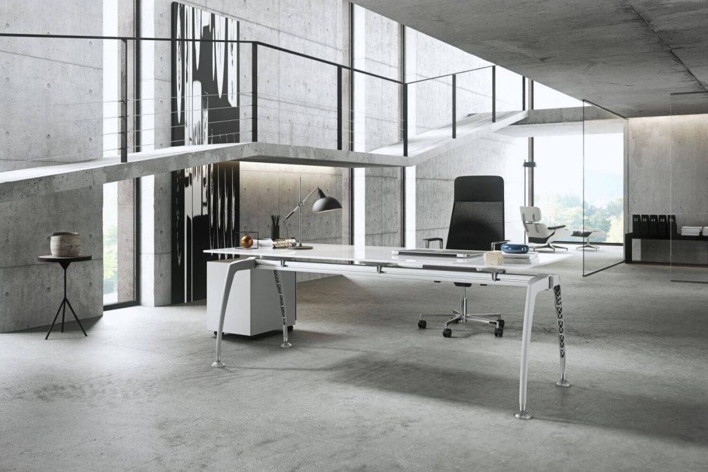 Schreibtisch_Tiper_mit_Glasplatte