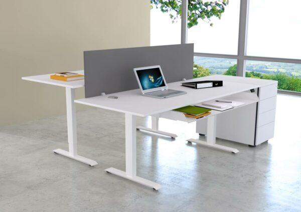 Schreibtisch-Move1-mit-Trennwand-grafit