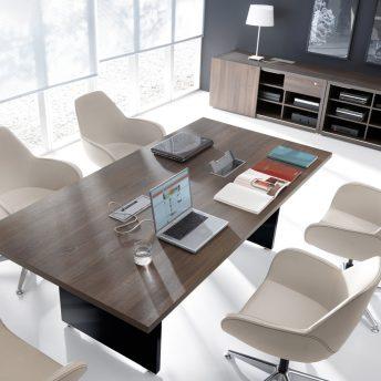 Konferenztisch Faro mit Elektrifizierung