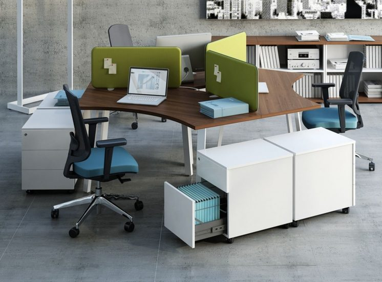 Schreibtisch_Ogi_3_Personen_Rollcontainer_SLD