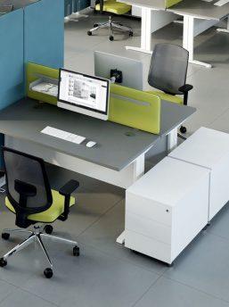 Schreibtisch_ogi_n_Rollcontainer_SLD130