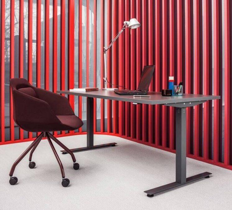 Schreibtisch-elektrisch-hoehenverstellbar-OGI-DRIVE_