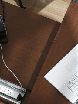 Elektrifizierung-Schreibtisch-Armada_1