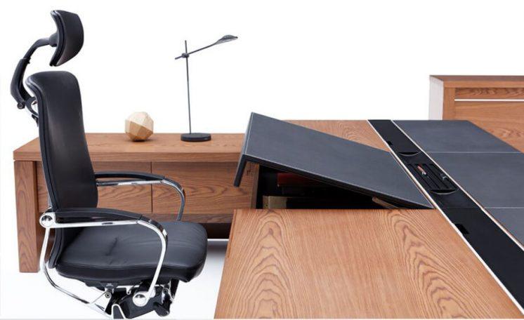 Schreibtisch-Armada