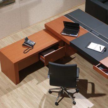 Schreibtisch-Armada-mit-Beistellschrank