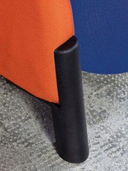 Akustik-Sessel-Biga-auf Gleitern