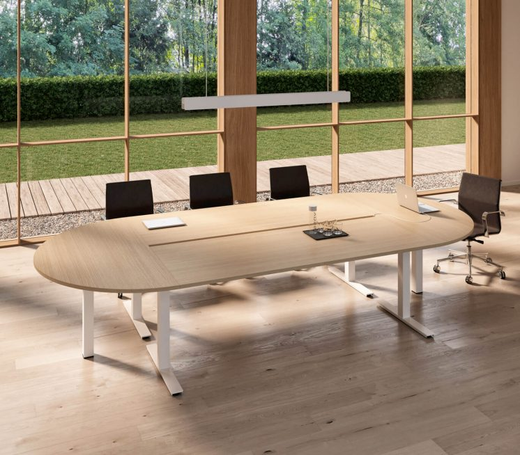 Ovaler-Konferenztisch-Winglet-Eiche-natur