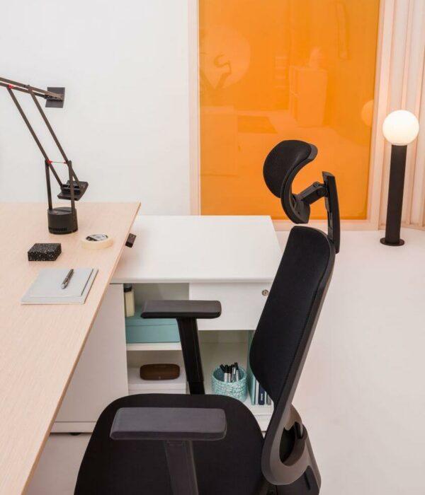 Schreibtisch-mit-Sideboard-elektrisch-hoehenverstellbar-Gravity