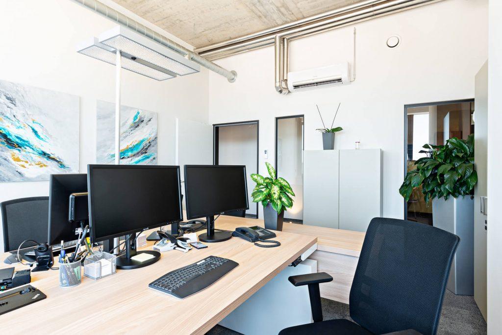 Büro - Schreibtisch elektrisch höhenverstellbar Faro - 4