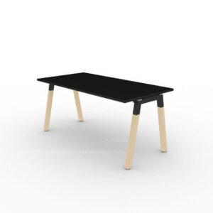 Schreibtisch-mit-Holzbeinen-Polare-Tischplatte-Schwarz